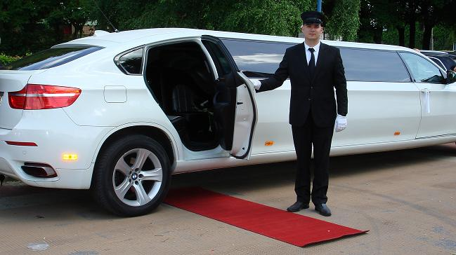 location limousine voiture de mariage v hicule de prestige louer limousine. Black Bedroom Furniture Sets. Home Design Ideas
