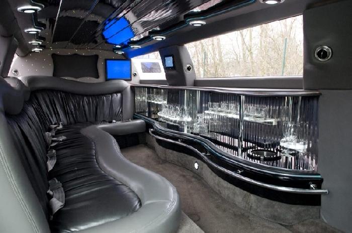 Limousine interieur 28 images chrysler limousine for Interieur hummer